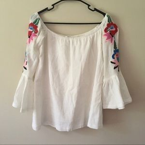 VaVa Joy Han White Off Shoulder Embroider Medium
